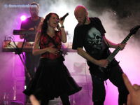 Kapela WITHIN TEMPTATION s kráskou Sharon Den Adel